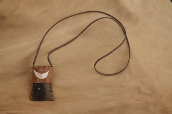 pine-bark-necklace