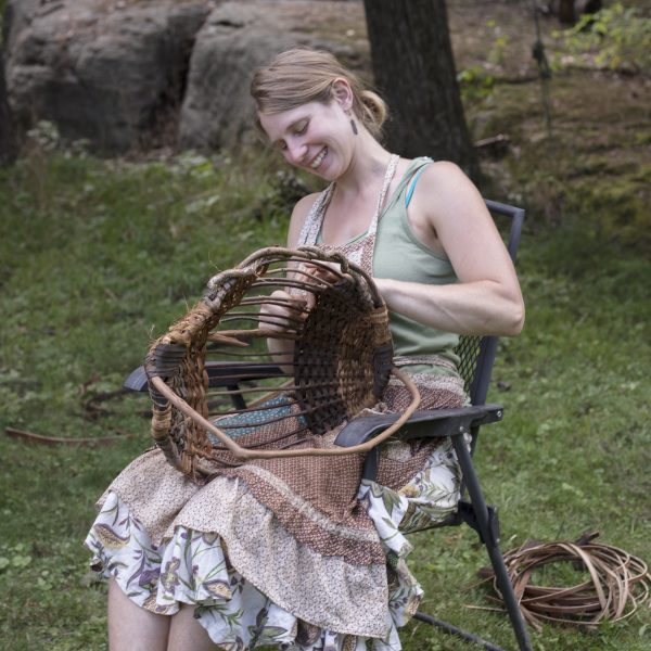 katie grove weaving ribbed baskets